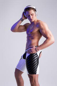 Maskulo Fetishwear Models, Videos, Photoshoots | VOCLA Blog