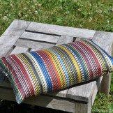 """Un tissu tendance """"arty"""" pour recouvrir vos coussins !!  #ladroguerie #couture"""