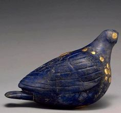 Elam lapis lazuli and gold statue of a pigeon, ca 2nd millenium BCE.