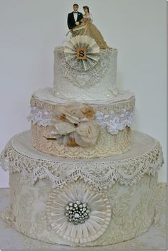 Beautiful ! Love the vintage topper.  (from Pink Roses and other passions)