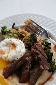 Cheesy Polenta with Steak and Poached Eggs - www.countrycleaver.com