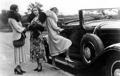 pictures of 1920s theater and movie costumes | THEATER 6 - Costume Unit 1900 thru 1940's Tags: costume , decades ...
