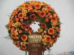 Vrtnarija in cvetličarna Grdadolnik Floral Wreath, Wreaths, Fall, Home Decor, Autumn, Decoration Home, Room Decor, Bouquet, Flower Band