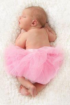Laora, sociable : 30 prénoms rares pour bébé - Journal des Femmes