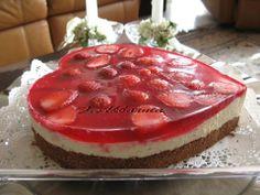 غذاهای متنوع, چیزکیک توت فرنگی فریبا اکبرنیا  https://www.facebook.com/photo.php?fbid=531713456868919&set=a.195441890496079.52951.154292544611014&type=1&theater