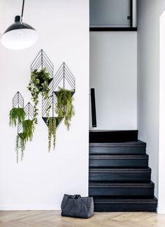 les 25 meilleures id es de la cat gorie cage d 39 escalier noire sur pinterest escaliers photos. Black Bedroom Furniture Sets. Home Design Ideas