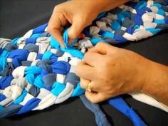 Learn How To Make A 5 Strand Braid In Runner T Shirt Yarn Rag Rug Part 2 Shows The First Turns Of This
