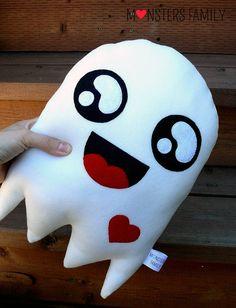 Decorative Pillow Ghost Pillow Halloween Pillow by MonstersFamily Kawaii Halloween, Halloween Ghosts, Cute Halloween, Halloween Crafts, Halloween Ideas, Cute Pillows, Diy Pillows, Halloween Mignon, Halloween Bedroom