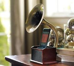 Grammaphone iphone dock, so old world chic!