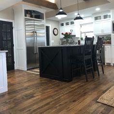 Beautiful Hallmark Tulsi Hardwood floor pulls together light and dark elements in this home for a cohesive and stylish look! Modern Farmhouse Design, Hardwood Floors, Flooring, Contemporary Interior, Great Rooms, Interior Design, Organic, Dark, Stylish