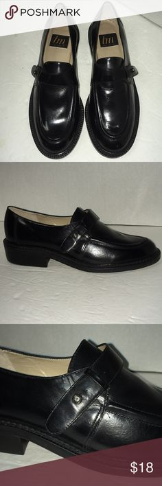 NWOT Thom McAn black leather loafers size 8.5 Never worn. leather. Thom McAn Shoes Flats & Loafers