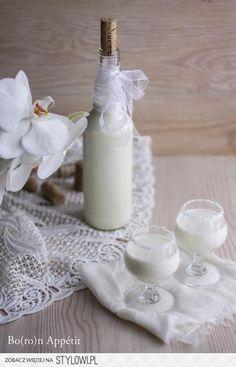 Likier kokosowy Likier kokosowy Jest po prostu pyszn… na Stylowi.pl Irish Cream, Glass Of Milk, Food And Drink, Cocktails, Coconut, Cooking Recipes, Vegan, Blog, Photography