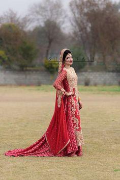 Pakistani Couture, Pakistani Wedding Dresses, Indian Dresses, Indian Outfits, Pakistani Suits, Asian Wedding Dress, Asian Bridal, Wedding Suits, Wedding Wear