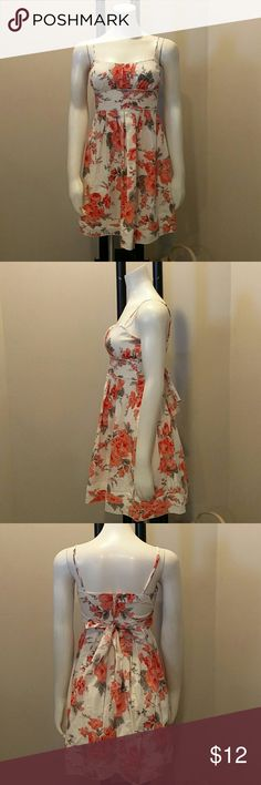 "Speechless Womens 5 Floral Spaghetti Strap Dress You are looking at a pre-owned women's Speechless bold floral Spaghetti Strap dress, made in China, fully lined. 97% polyester, 3%spandex.  Length~26.5"" Armpit to armpit~14"" Please look at pictures and ask questions before buying. Thanks for looking. Speechless Dresses"