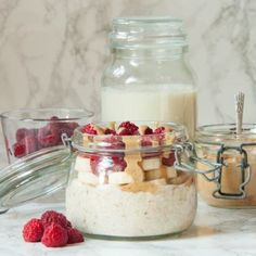 I have combined the elements of the PB&J to make a peanut butter and raspberry oats recipe that you will hopefully enjoy as much as I do.