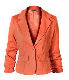Un saco naranja color chedron es básico este Otoño. www.lob.com.mx #SACO #MODA #LOBModa