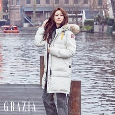 Lee Yo Won looks beautiful walking the streets of Amsterdam with Grazia, check it out! Definition Of Cute, Lee Yo Won, Amsterdam Travel, Korean Actresses, Celebs, Celebrities, Winter Jackets, Singer, Korean Wave