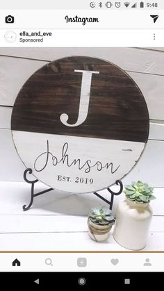 New Circle Wood Signs Wedding Ideas Crafts To Do, Home Crafts, Diy Crafts, Vinyl Projects, Craft Projects, Craft Ideas, Cricket Crafts, Diy Wood Signs, Craft Night