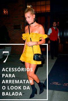 7 Acessórios para Arrematar o Look da Balada Estilo Gigi Hadid, Hailey Baldwin, Look, Street Style, Casual, Summer, Masks, Night, Moving Out