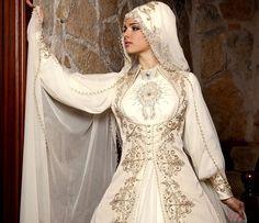 Muslimah Wedding Dress, Hijab Style Dress, Hijab Fashion, Fashion Dresses, Stylish Clothes For Women, Bride Groom Dress, Renaissance Clothing, Fairy Dress, Medieval Dress