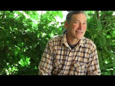 ▶ David Holmgren explains how you can change the world with permaculture - YouTube