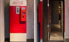 Bar secreto em Xangai fica escondido atrás de máquina de Coca-Cola
