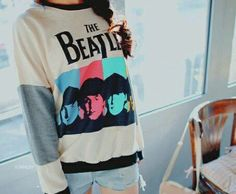 The Beatles sweater. Why can't shops here in the Philippines sell awesome Beatles merch like this one? Beatles Shirt, Les Beatles, Beatles Band, Rocker Girl, Rocker Outfit, Band Shirts, Band Merch, Favim, Cute Fashion