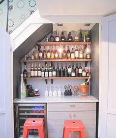 wine closet- bar under stairs! Mini Bars, Bar Under Stairs, Under Basement Stairs, Basement Closet, Under Stairs Cupboard, Walkout Basement, Bar Deco, Closet Bar, Closet Shelves