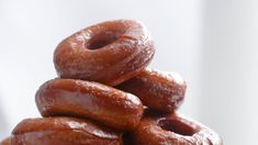 Classic Glazed Donuts - Video recipe, ingredients list and easy step by step instructions. You can find all Tasty dessert recipes on our website. Donut Recipes, Tart Recipes, Real Food Recipes, Dessert Recipes, Yummy Food, Desserts, Jiggly Cheesecake, Cheesecake Crust, Macarons