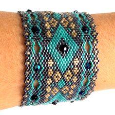 Sur commande : Bracelet Ketiko manchette doré et vert : Bracelet par ketiko