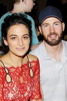 New celebrity couple alert! Jenny Slate and Chris Evan are red carpet official and they're our new favorite couple