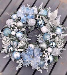 Christmas wreaths 2020 Xmas Wreaths, Christmas Decorations, Holiday Decor, Elegant Christmas, Ornament Wreath, Cottage, Classy Christmas, Cottages, Cabin