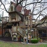 Texas Couple Built A Fabulous Tree House For Their Grandchildren