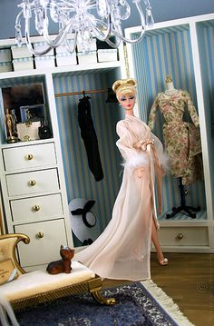 City Smart Silkstone Barbie in Honey in Hollywood outfit. I dedicate this photo to the dear Barbie friend who helped me attain this lovely lady . Barbie I, Barbie Dream, Vintage Barbie Dolls, Barbie House, Barbie World, Barbie And Ken, Barbie Clothes, Barbies Dolls, Barbie Makeup