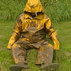 Yellow Raincoat, Winter Parka, Rain Gear, Sexy Men, Rain Jacket, Coats, Lady, How To Wear, Mud