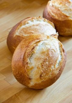 Weizenbrötchen A simple recipe for wheat buns with details of the program automatic in the Miele oven H 5147 B. I have used a Vorteig and stretched the entire processing time. Bread Bun, Bread Rolls, Pastry Recipes, Bread Recipes, Brotchen Recipe, Homemade Pizza Rolls, German Bread, Kenwood Cooking, Kitchens