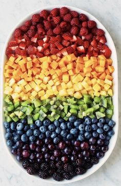 Rainbow Fruit Platter from Cooking Classy and other great fruit tray ideas that . - Rainbow Fruit Platter from Cooking Classy and other great fruit tray ideas that …, - Rainbow Fruit Platters, Rainbow Food, Rainbow Snacks, Fruit Bowls, Fruit Cups, Rainbow Fruit Kabobs, Rainbow Things, Eat The Rainbow, Healthy Snacks