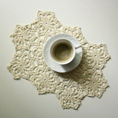 Elegant crochet table doily for the livingroom or by aCasaMia