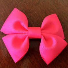 Super easy DIY Hair Bow/ Big or small
