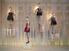 Pinned by ton van der veer visual merchandising fashion, window display des Window Display Design, Store Window Displays, Propaganda Visual, Visual Merchandising Fashion, Store Windows, Retail Windows, Zara, Visual Display, Window Art
