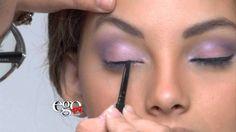 """Capsula de Maquillaje en EGO TV por Wapa & Wapa America. La maquillista Nicole Rodriguez de EGO TV nos explica como lograr este """"look"""" con las nuevas sombras True Color de Avon."""