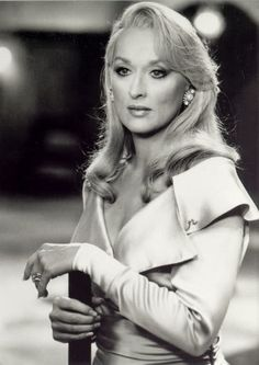 Hands down, I think that's the most gorgeous Meryl Streep ever looked. (Even when her head was on backwards!)