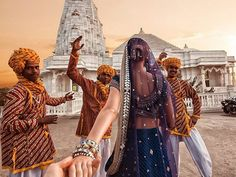 Birla Mandir, Jaipur Girl Who Leads Photographer-Boyfriend Around The World Visits India. The Photos Are Spellbinding Murad Osmann, Videos Mexico, Visit India, Harpers Bazaar, Incredible India, Follow Me, Travel Pictures, Travel Photos, Amazing Photography
