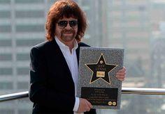 30 de diciembre – Jeff Lynne uno de los mejores compositores productores que ha dado la música cumple 68 años, no te pierdas sus mejores videos