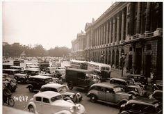 Une webcam place de la Concorde en 1937...déjà du trafic mais quelles voitures ! #Paris #France #tourisme #vintage