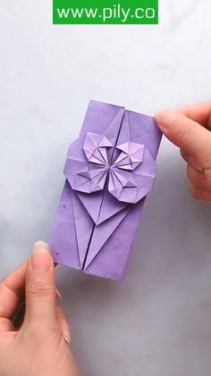 Tissue Paper Crafts, Cool Paper Crafts, Paper Flowers Craft, Paper Crafts Origami, Flower Crafts, Diy And Crafts, Origami Rose, Instruções Origami, Origami Envelope