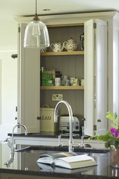 1000 Images About Off White Interiors On Pinterest Farrow Ball Shaker Kitchen And Border Oak