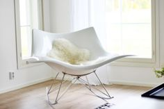 Stingray keinutuoli Accent Chairs, Villa, Rocking Chairs, Lifestyle, Living Room, Furniture, Chic, Home Decor, Ideas