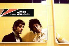 il primo è il #bassista degli #Afterhours, il secondo è la #voce, #chitarra e #tastiera della #band #IlGenio, insieme sono #Dellera e #DeRubertis. I due collaborano artisticamente da anni, condividendo #palchi, #note e #parole. #tour #Sicilia #musica #vinile