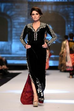 "Nida Azwer Atelier  ""The Renaissance Collection"" at Fashion Pakistan Week 2014"